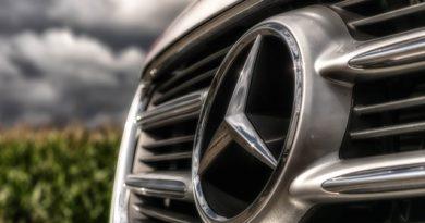 A Mercedes felvásárolta a PayCash startupot