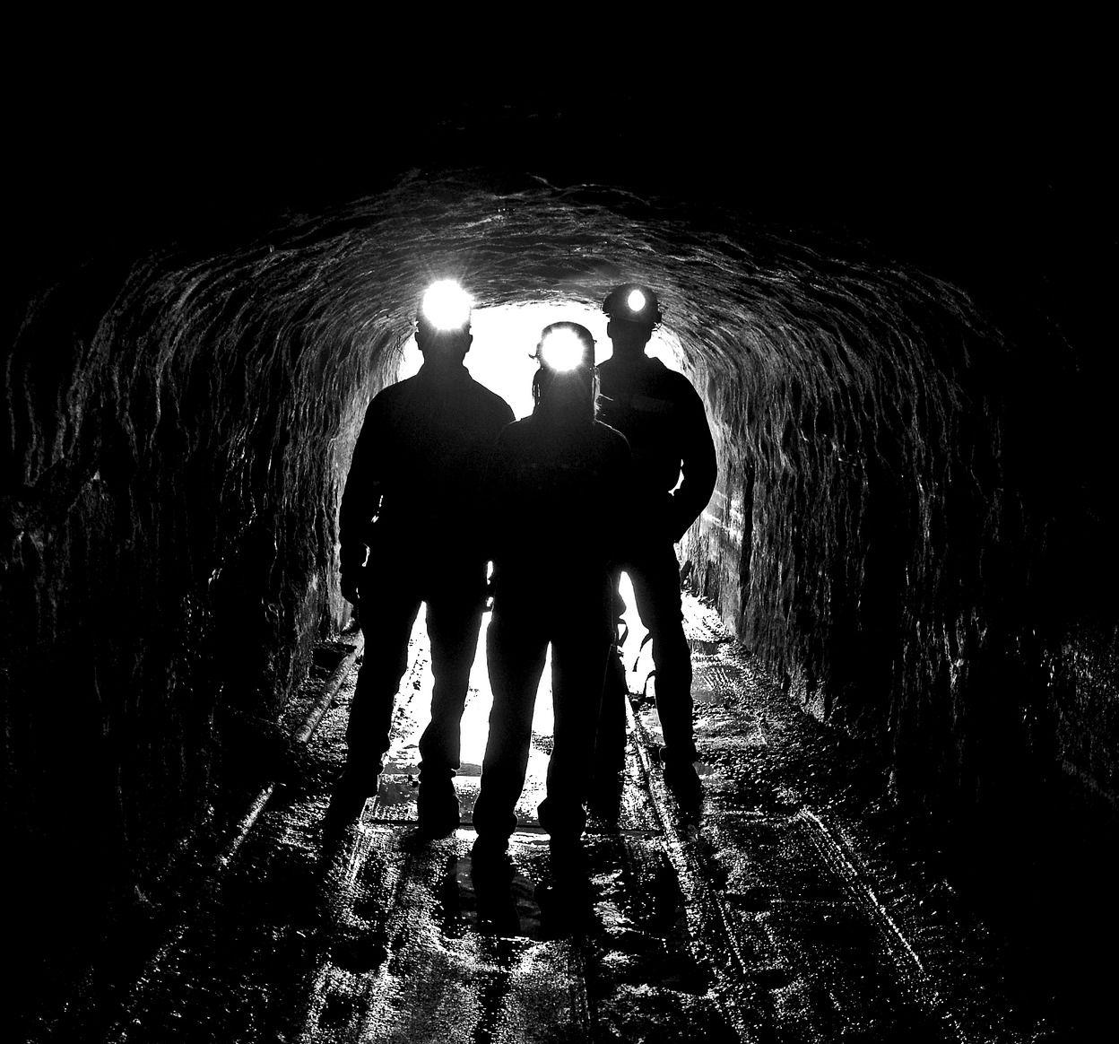 McAfee ethereum bányásznak áll