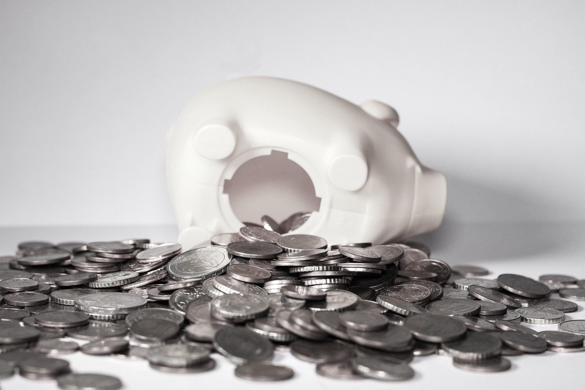 A svéjci bank üttörő a kriptopénz és a bankszektor kapcsolatában