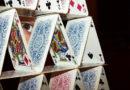 Kártyavárként omolhat össze a bitcoin