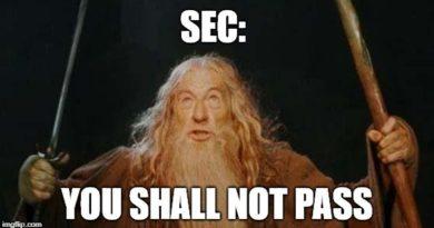 8 000$ alatt a bitcoin miután a SEC elkaszálta a Winklevoss ikrek ETF-ét
