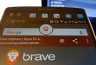 Brave böngésző használó mobil