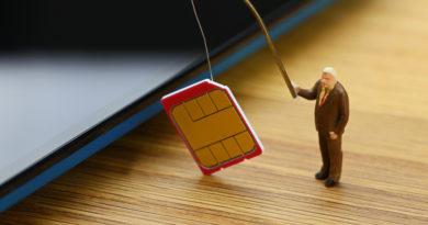 Augusztus 15-én Michael Terpin amerikai befektető 224 millió dolláros pert indított az AT&T telekommunikációs vállalat ellen.
