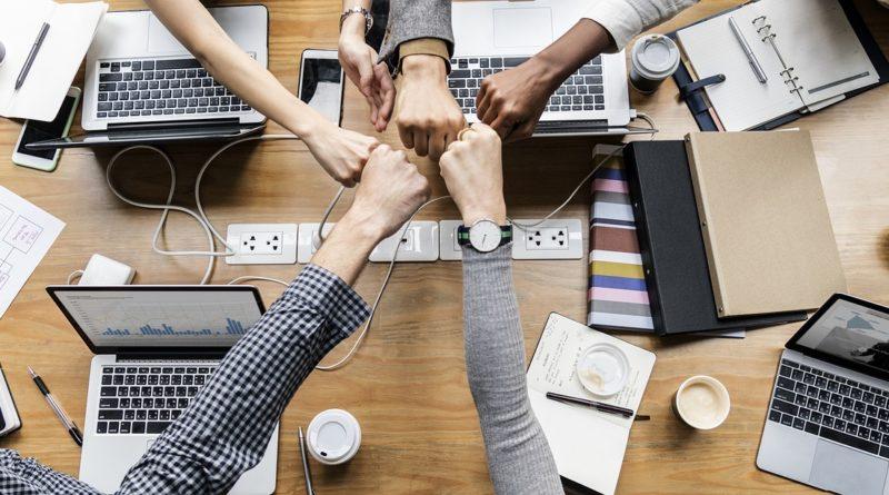vállalati blokklánc partnerség