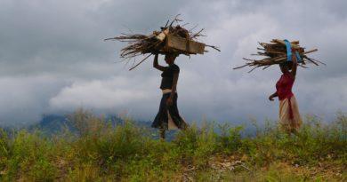Uganda nők faszedők