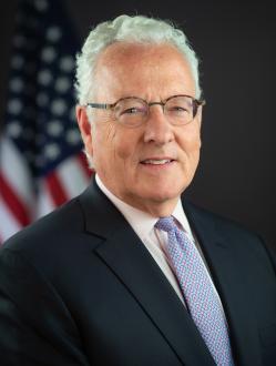 Tiszta vizet akar önteni a SEC a tokenkibocsátásokra vonatkozó szabályozások kapcsán, jelentette be William Hinman a SEC vállalati pénzügyekért felelős elnöke