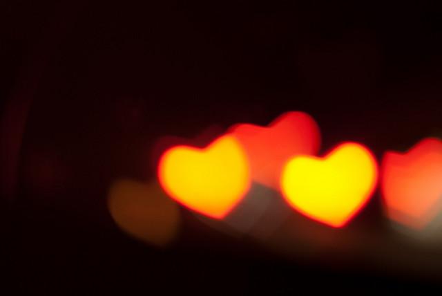 Valentin-nap ajándékötlet: fehérnemű bitcoinért