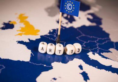 Kénytelen lesz fizetni a Google és a Facebook a tartalomkészítőknek, egyezségre jutott az EU