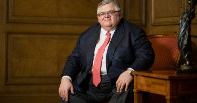 Kritikus a jegybankok kriptokibocsátásával szemben Agustín Carstens