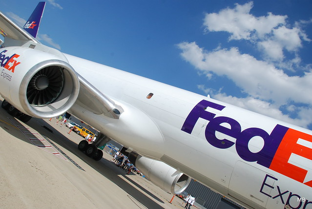 A FedEx egységes blokklánc rendszert akar a nemzetközi szállítás javítására