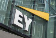 Az Ernst & Young se akar lemaradni: hibrid blokklánc hálózatot indít