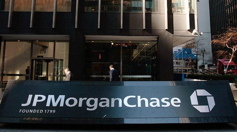 A befektetési bankóriás JP Morgan Chase elszámolási funkciókkal bővítené blokklánc projektjét, hogy így védekezzen az utalási startupok, mint a TransferWise és Ripple jelentette versennyel szemben.