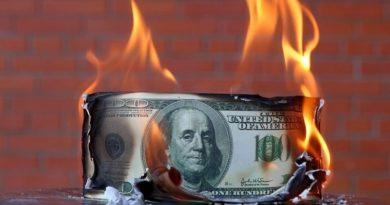Több száz milliárd dollárnyi arany és készpénz tűnik el a piacokról