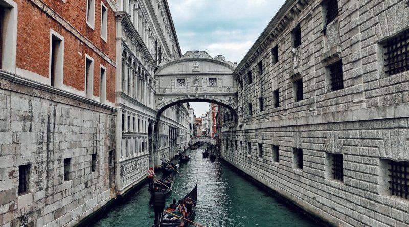 Az EU és Olaszország közötti politikai feszültség a Bitcoin malmára hajthatja a vizet
