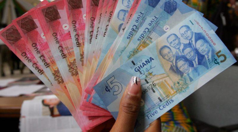 Milliárdok tűntek el a ghánai bankokból, 70 000 ember befektetése vált köddé