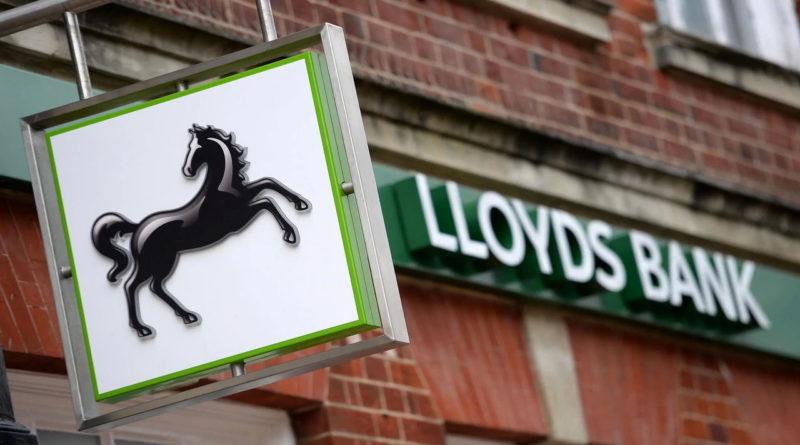 A brit hitelbiztosítási botrány a jelenlegi becslések alapján a bankoknak több mint 66 milliárd dollárba fog kerülni az incidens rendezése.