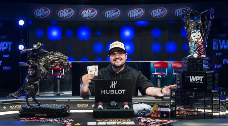 Vállalata pénzét költötte kriptovalutákra a profi pókerjátékos felsővezető