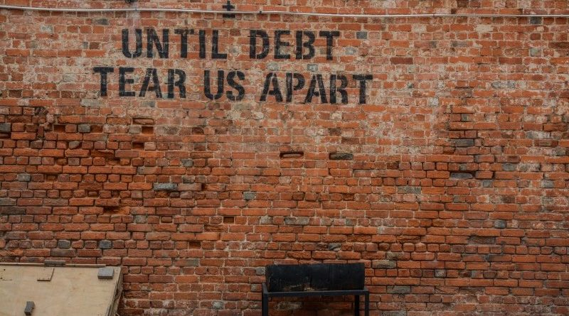 Egyesült Államok Fed | Eszméletlenül magas, 255 billió dollár lesz a világ adóssága az év végére