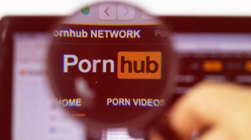 Letiltotta a Pornhub modellek fizetését a PayPal