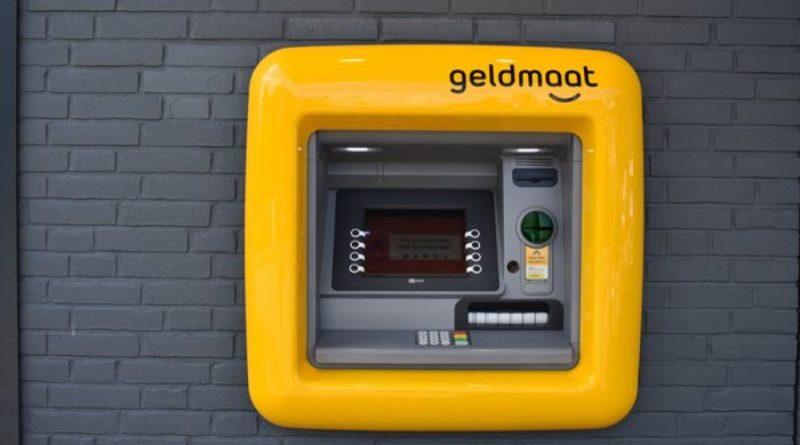 Hollandiában lekapcsolják a pénzautomatákat éjjelre, mert a bankok félnek a robbantásos pénzrablásoktól