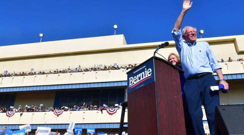 Bernie Sanders elnökjelölt az Internetet az emberi alapjogok közé sorolná