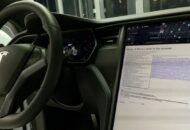 Garázs-hack: ezen a Teslán már Bitcoin teljes csomópont fut