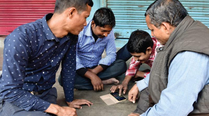 India kikérné a közösségi média felhasználók adatait