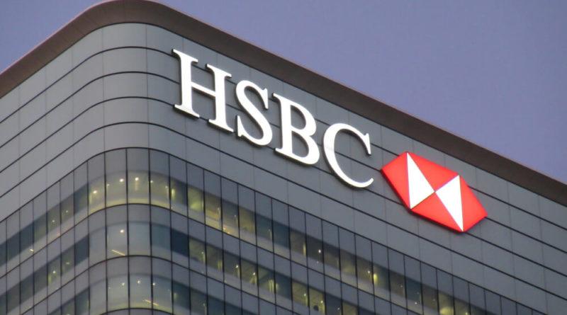 A HSBC 35 ezer embert bocsát el