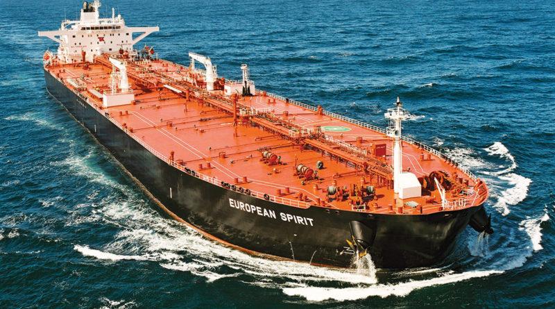 Nincs szabad kapacitás a szárazföldön, tankerekben rostokol az olaj