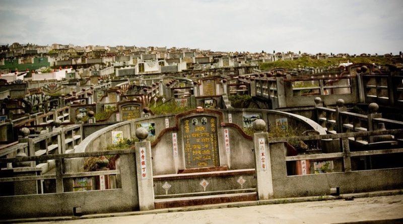 Titkos bitcoin bányát talált a kínai rendőrség két sírban