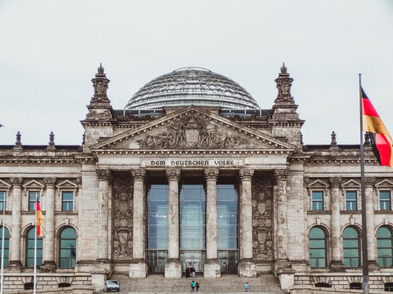 Feltétel nélküli alapjövedelmet mindenkinek – Németországban már ezzel kísérleteznek