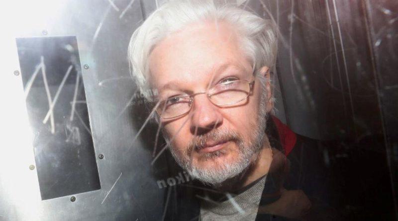 Tovább zajlik Julian Assange kiadatási kálváriája, életfogytiglanra ítélhetik
