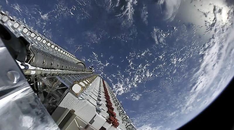 A műholdak egyike