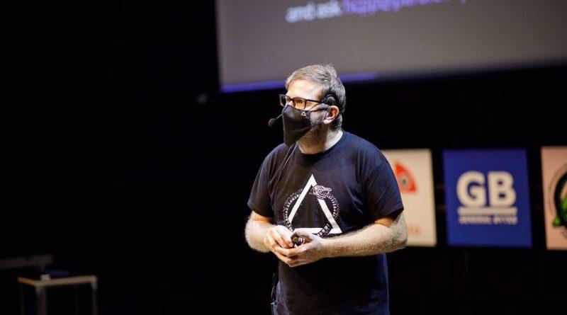 Hogyan hagyd el a rendszert, ha már nagyon eleged van - interjú a hacker konferencia alapítójával