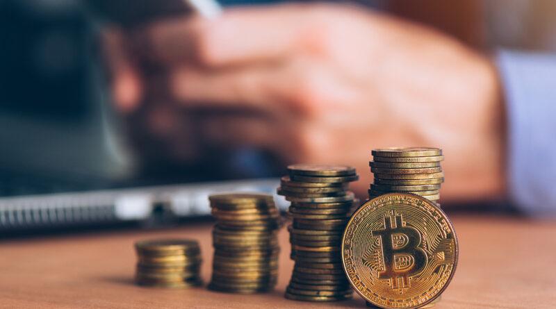pénzt kereső bitcoin 2021