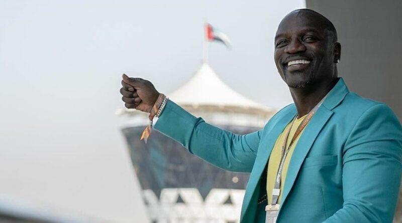 Akon nem tartotta meg 2014-ben bitcoinjait – most persze nagyon bánja
