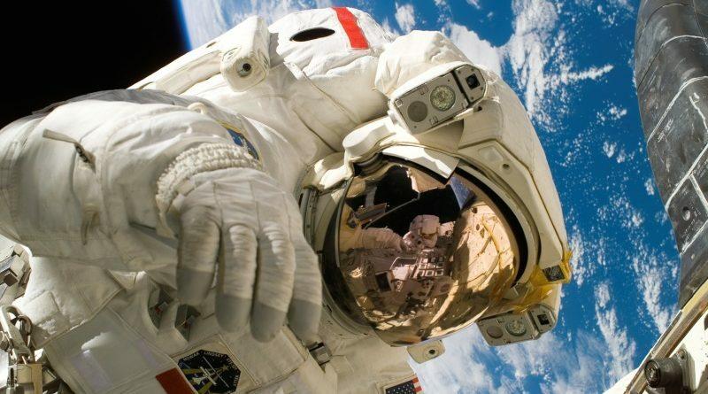 Genderpolitika a NASA-nál: hamarosan Holdra szállhat az első nő és az első színesbőrű ember