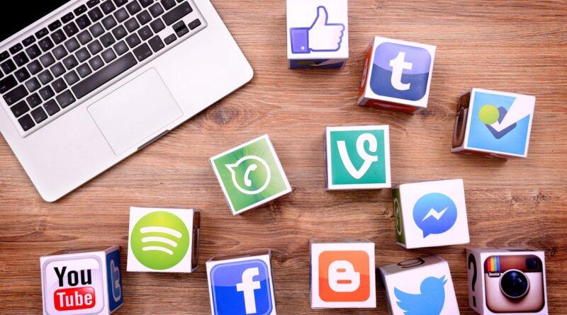 Közösségi platform