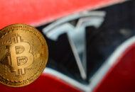 1 milliárd dollárt keresett a Tesla a bitcoin befektetésével